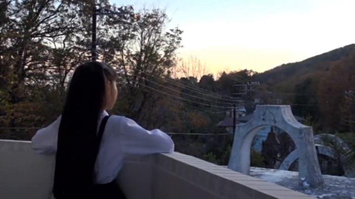 """""""Noすみれ,No Life""""とっておきの未公開秘蔵映像 「河合すみれ」制服背面夕暮れ"""