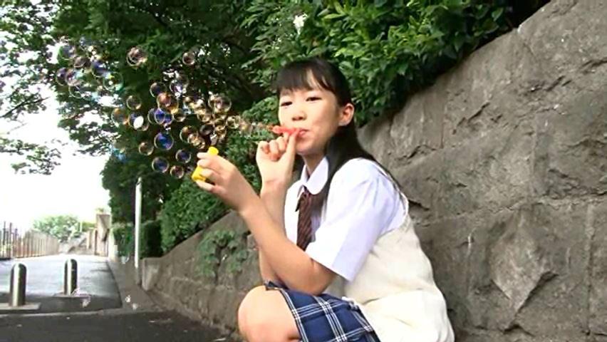 ぬくぬく 「日向佳奈」制服シャボン玉
