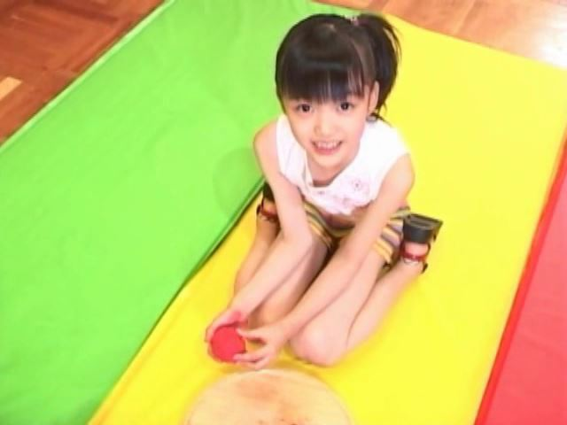 「岡崎瞳8歳 水の妖精 陸の天使」粘土細工