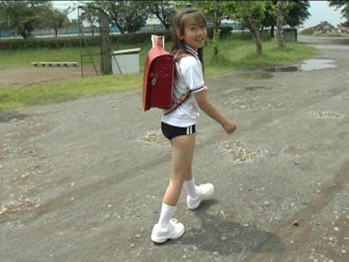 「小野寺沙羅 9歳」ブルマ全身歩き