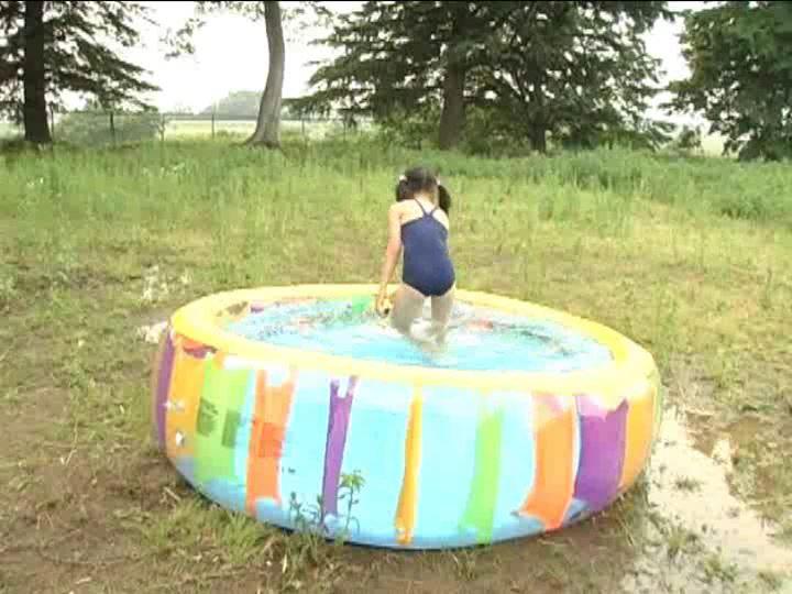 「小野寺沙羅 9歳」スクール水着プール遠景