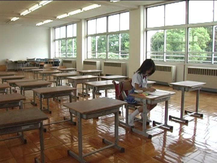 「小野寺沙羅 9歳」制服教室