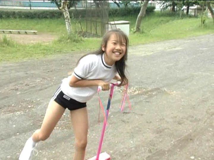 「小野寺沙羅 9歳」ブルマホッピング