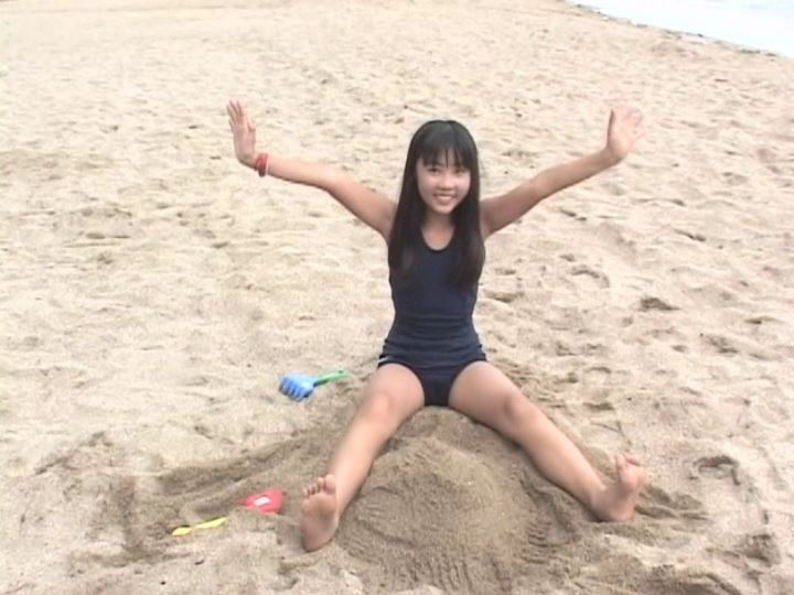 「POP&アート 愛田かんな」スクール水着砂遊び