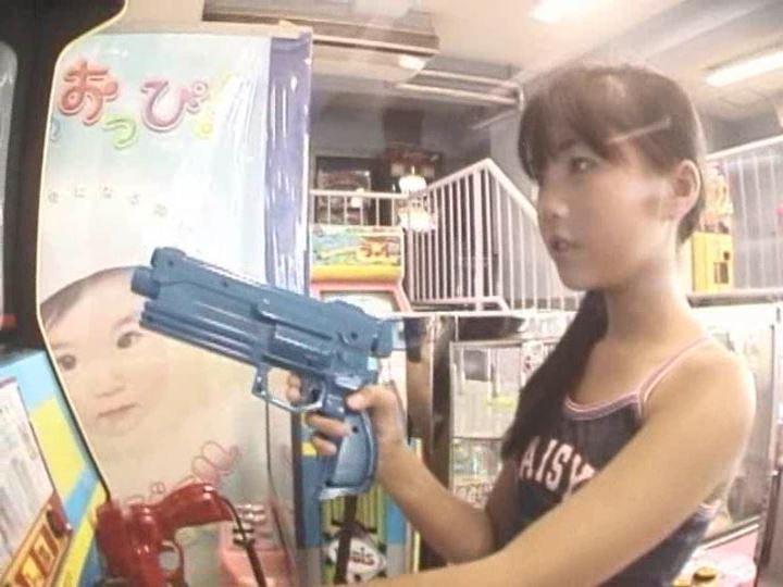 「POP&アート 愛田かんな」ガンゲーム上半身