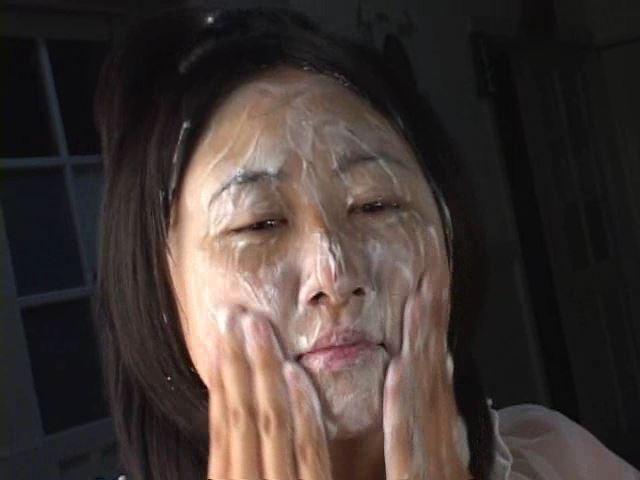 「ぷち濡れ Vol.1 星那育見 14才」洗顔