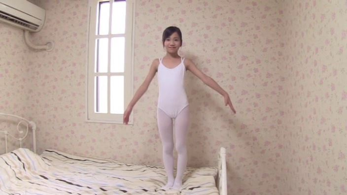 Pure White 「蒼井玲奈」レオタード全身