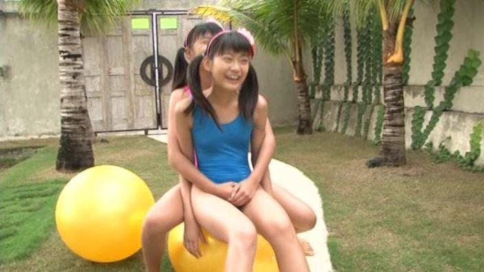 「Pure teen 水野舞&清水ちか」レオタードバランスボール座り