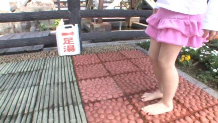 「ぷりぷりたまご Vol.3 えりかちゃん」ピンクスカート下半身足ツボ