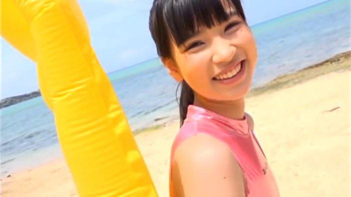 「るみを見てねっ! 石野瑠見」競泳水着上半身笑顔