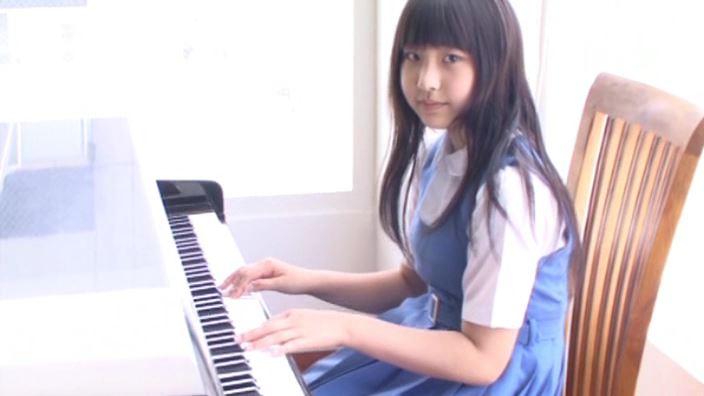 「白い風船と三毛猫 白山せいの」制服ピアノ