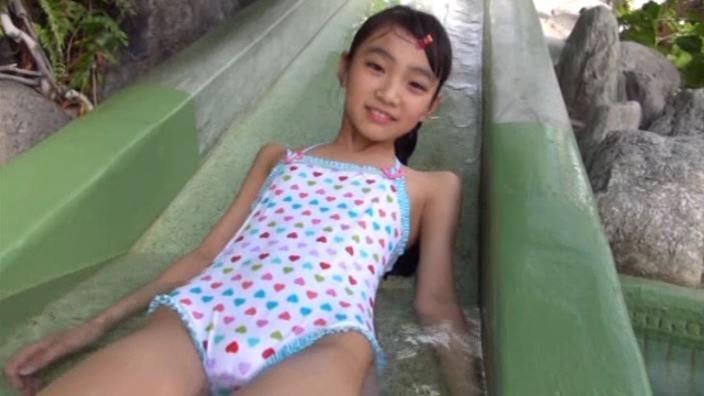 すみれ色した恋心「河合すみれ」水玉ビキニ滑り台