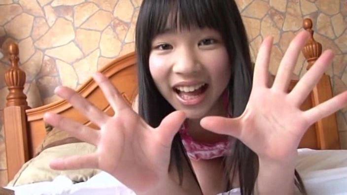 旬感娘 「石野瑠見」ピンクキャミ両手開き