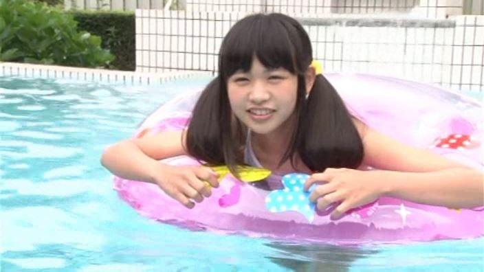つぶつぶいちご「野村苺花」スクール水着プール浮き輪