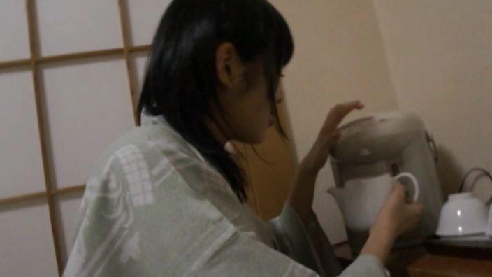 「ホワイトピクチャーズ Vol.5 わかなちゃん」浴衣お茶入れ