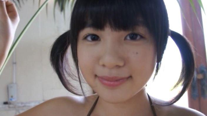 「ホワイトピクチャーズ Vol.5 わかなちゃん」グレービキニ顔アップ